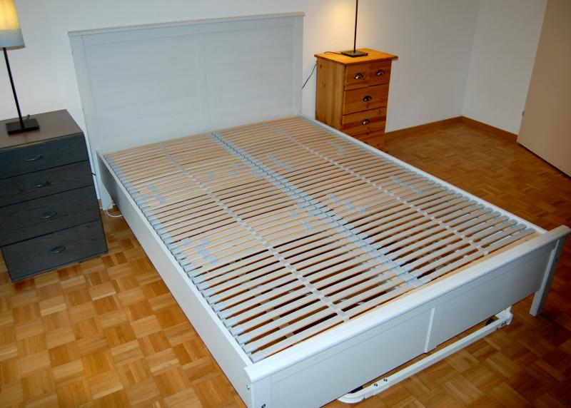 ikea brusali bed frame review ikea bedroom product reviews. Black Bedroom Furniture Sets. Home Design Ideas