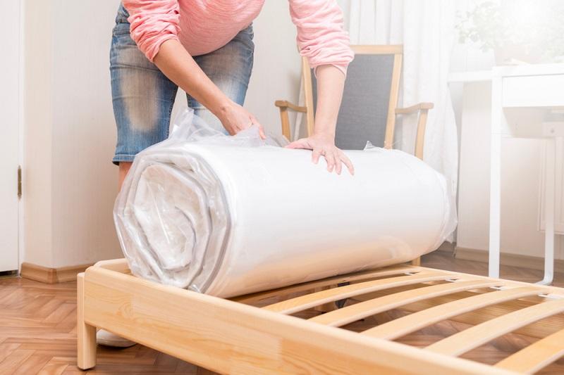 IKEA Beds: Lonset Vs Luroy